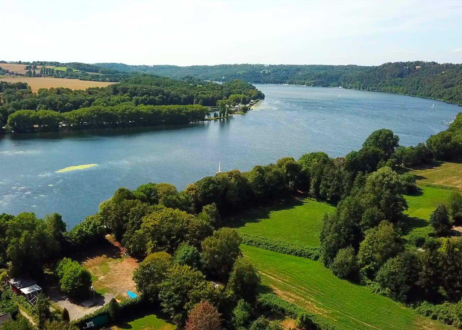 Drohnenflug über den Stadtteil Essen Heisingen
