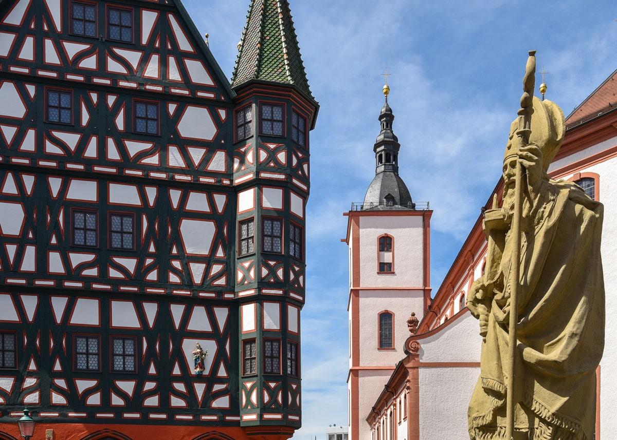 Fulda, Rathaus und Stadtpfarrkirche St. Blasius