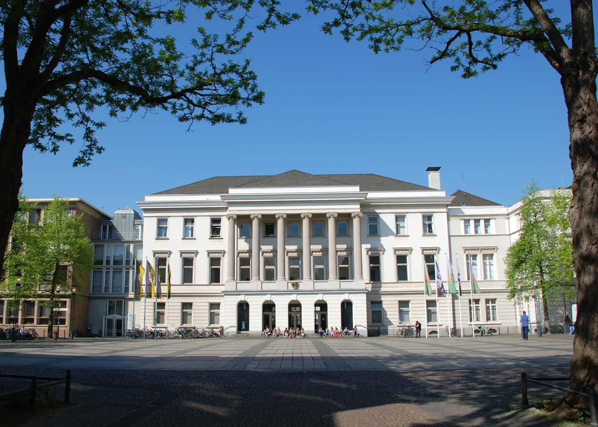 Krefeld Rathaus - Stadtpalais der Seidenbarone